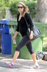 Ali Larter in leggings paparazzi photo