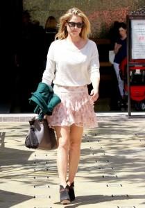 Ali Larter in mini skirt