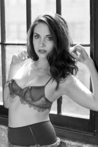 Alison Brie sexy boobs