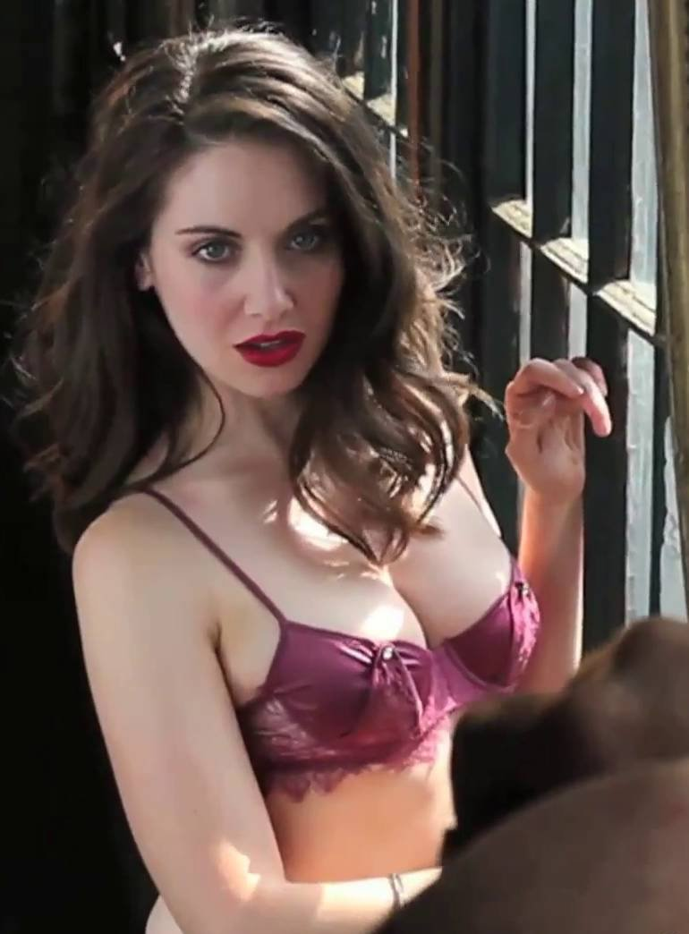 Alison Sex Tape alison brie cleavage and see through photos     the