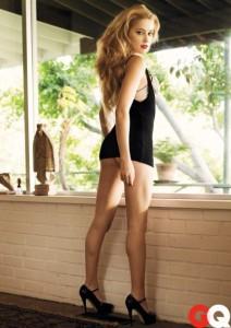 Amber Heard black sexy dress