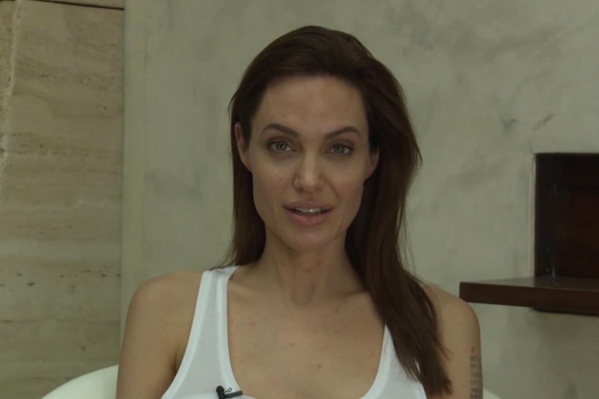 100 Photos of Angelina Jolie Sex Tape Leaked