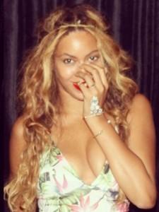 Beyoncé Knowles nipple slip