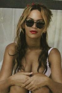 Beyoncé Knowles paparazzi