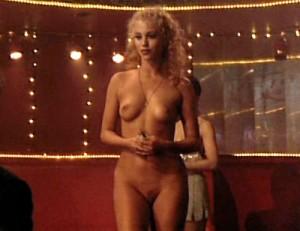 Elizabeth Berkley fully nude