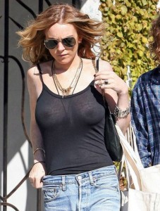 Lindsay Lohan spy nipslip
