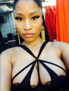 Nicki Minaj private iphone pic
