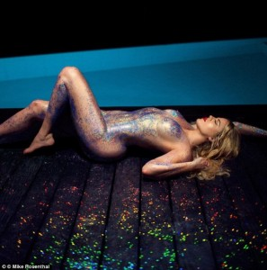 Khloe Kardashian naked body art