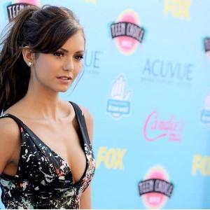 Nina Dobrev so hot
