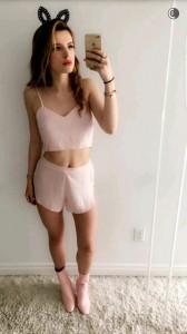 Bella Thorne selfie hot