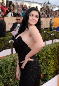 Ariel Winter sexy black dress