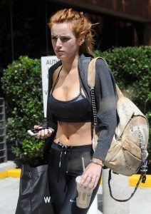 bella-thorne-cleavage