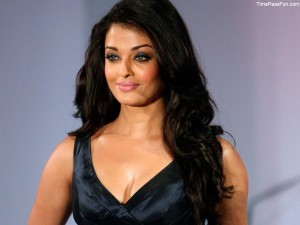 Aishwarya Rai hot bra