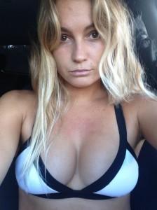 Alana Blanchard leaked bra