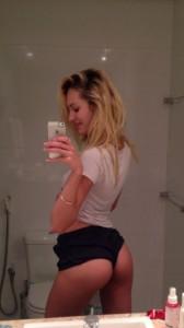 Alana Blanchard selfie ass
