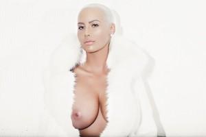 Amber Rose full nipples