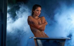 Ellen Hollman topless