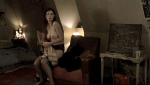 Emily Mortimer nude caps