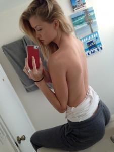 Erin Cummins topless leaked
