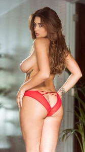 Holly Peers sexy booty