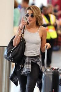 Sarah Hyland airport