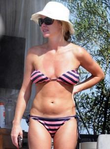 Amanda Holden paparazzi on beach