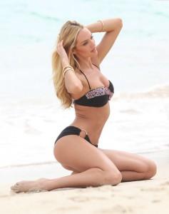 Candice Swanepoel beach