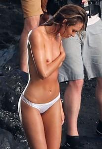 Candice Swanepoel paparazzi full tits