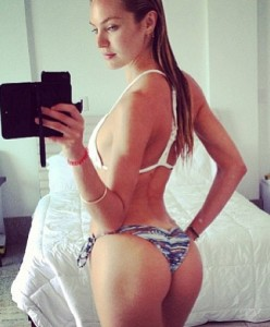 Candice Swanepoel sexy selfie