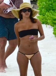 Eva Longoria sexy bikini paparazzi