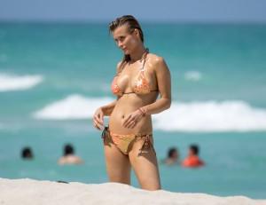 Joanna Krupa hot paparazzi