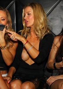 Joanna Krupa paparazzi nipple slip