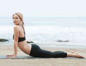 Kate Hudson yoga pants