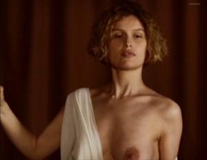 Laetitia Casta topless nips