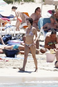 Lena Headey beach paparazzi