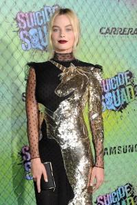margot-robbie-hot-dress