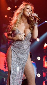 mariah-carey-on-stage-hot