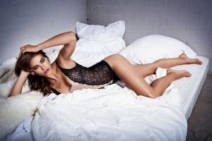 Nicole Meyer super sexy