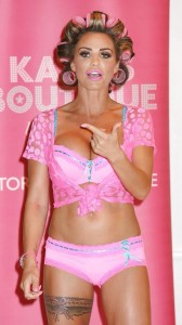 katie-price-sexy-bra