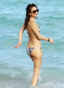 maria-menounos-at-miami-beach
