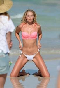 elsa-hosk-cameltoe-in-sexy-bikini