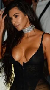 kim-kardashian-hot-oops