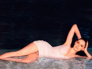 rose-mcgowan-hot-photoshoot