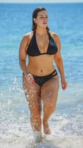 ashley-graham-bikini