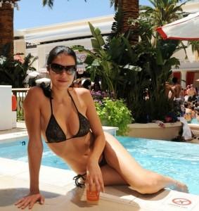 Adrianne Curry Bikini Candids