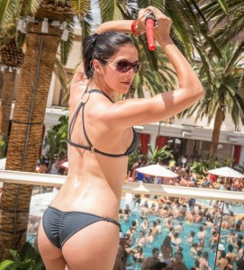 Adrianne Curry Sexy Ass Photo