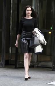 Anne Hathaway Leggy Pic