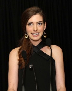 Anne-Hathaway-at-Gay-and-Lesbian-Center-Benefit-Gala-in-Los-Angeles-Photo