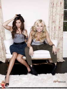 Ashley-Tisdale-And-Alyson-Michalka-Sexy-Photoshoot