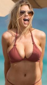 Charlotte Mckinney bikini sexy